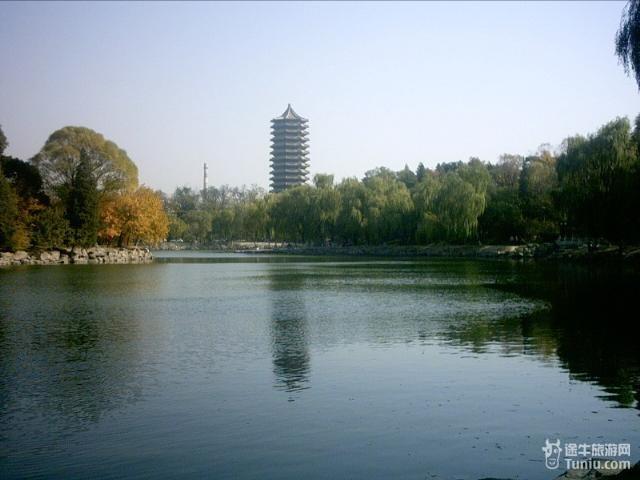 书香湖畔 盘点中国十大高校名湖