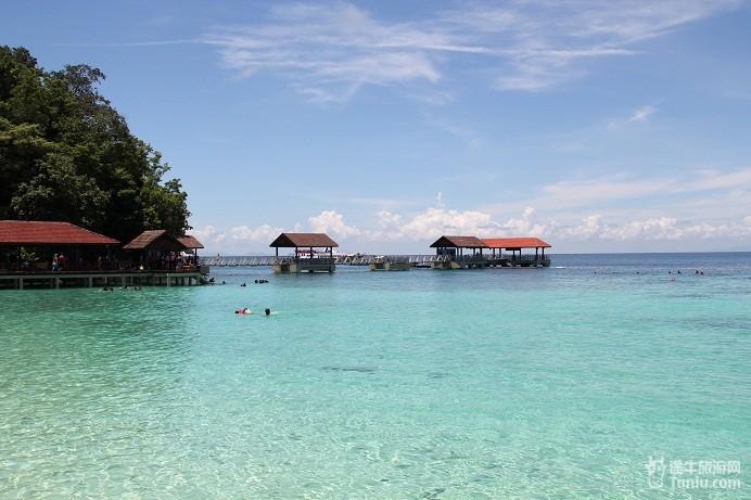 半岛西海岸第一个海洋公园,也是马来西亚唯一的浮台(又称南洋大堡礁).